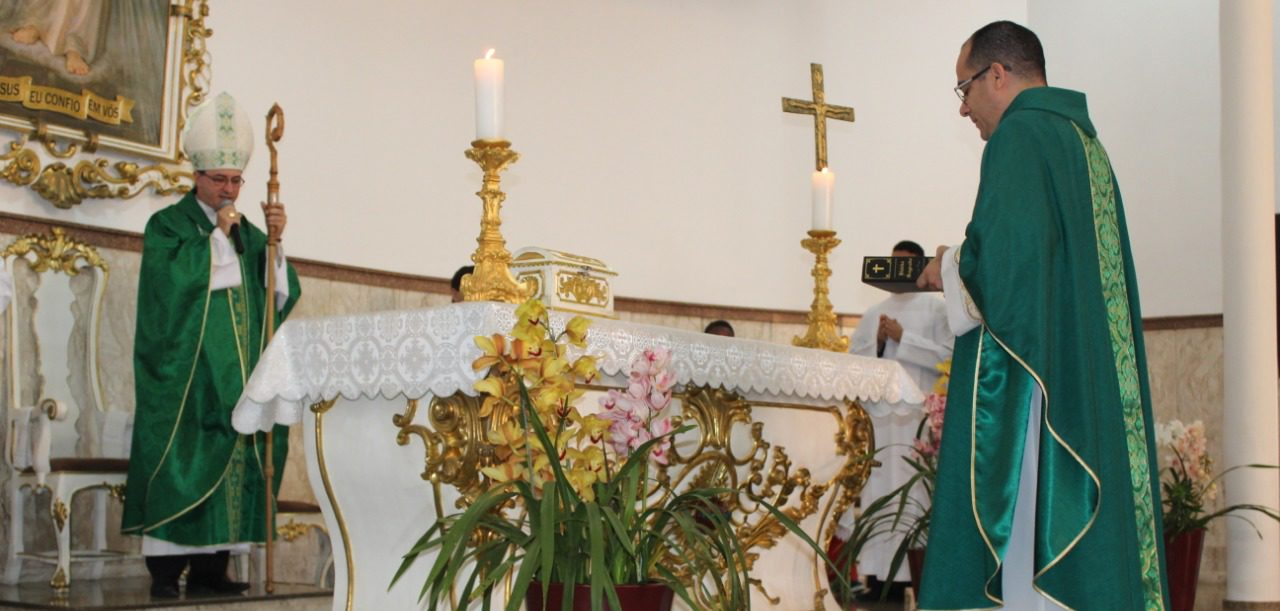 Missa de posse padre Dinamar